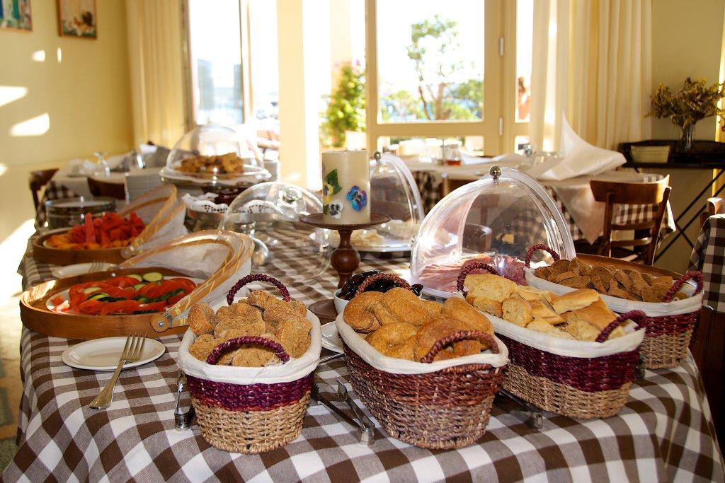 Πλούσιο πρωινό για τις διακοπές στην Κέας